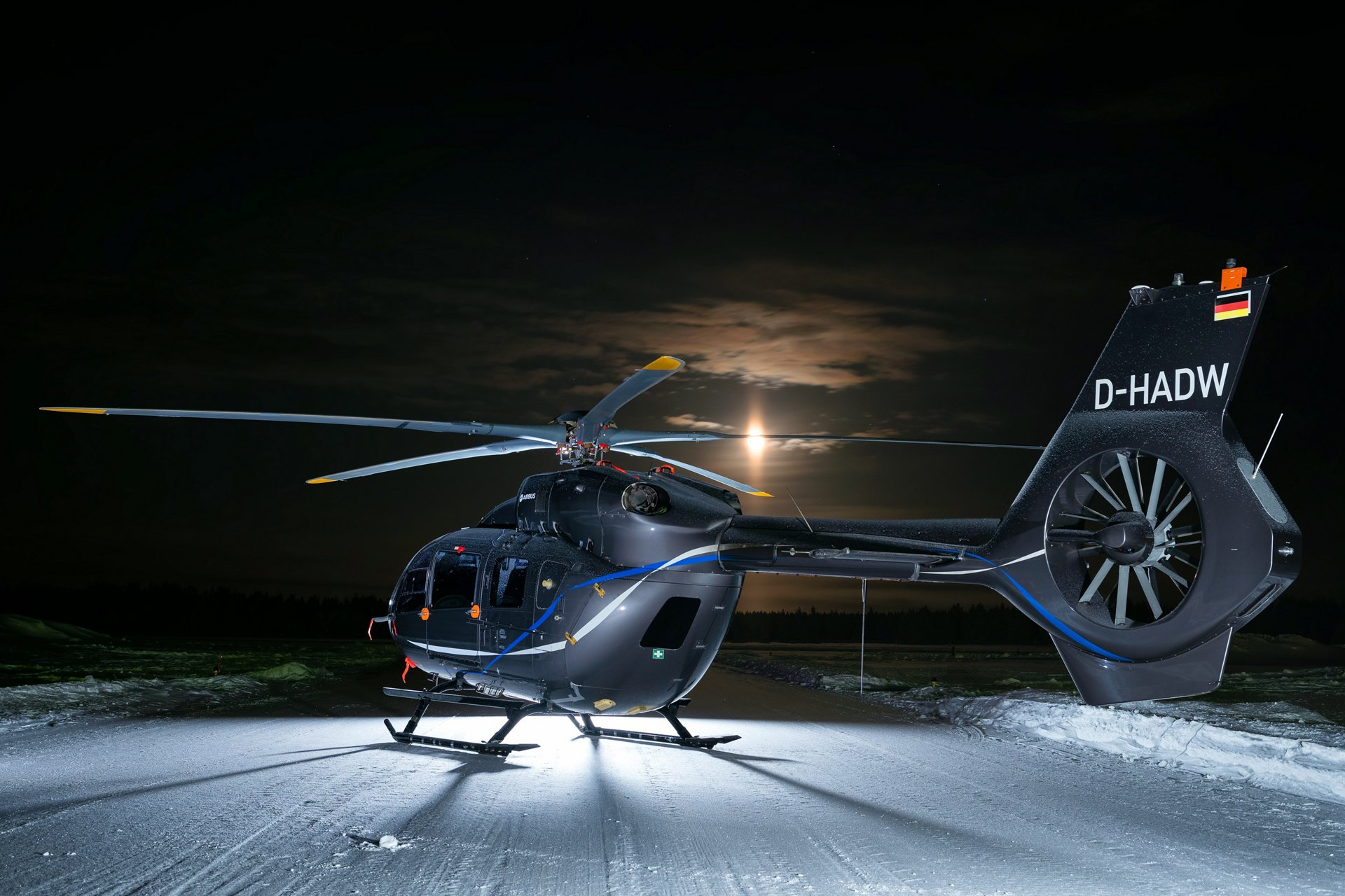 At Heli-Expo 2019, some of the buzz has been focused around Airbus' H145 and its brand-new rotor. Five bladed, bearingless, with a smaller hinge offset . . . the innovations packed into this single element are more than we usually see revealed on an aircraft.