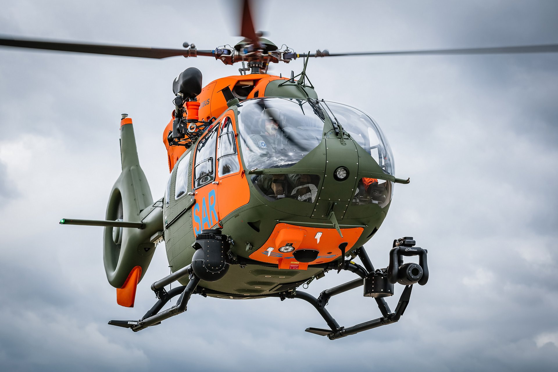Airbus Helicopters has handed over the seventh and last H145 for the search and rescue (SAR) service of the Bundeswehr to the Federal Office of Bundeswehr Equipment, Information Technology and In-Service Support (BAAINBw) on time.