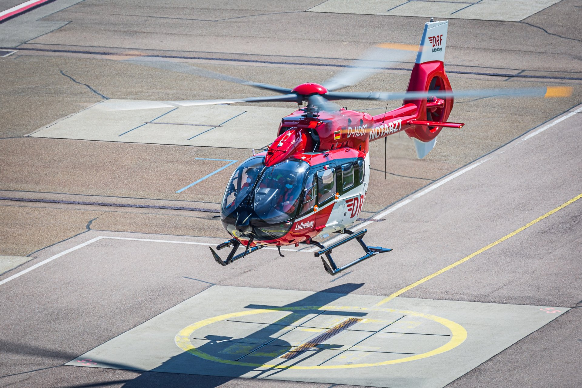 Airbus Helicopters, in cooperation with DRF Luftrettung, has performed the first retrofit of a four-bladed H145 into the new five-bladed version.