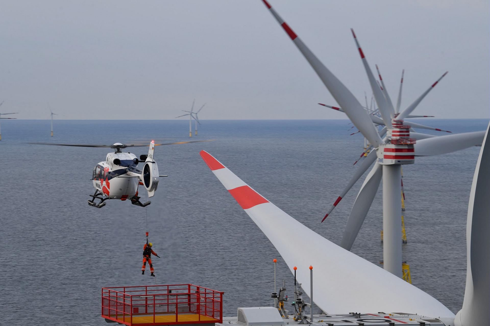Wiking just took delivery of a new H145, bringing its fleet to four H145s used in sea pilot transfers,  and technician wind farm transports from their base Wilhelmshaven, Emden, Wick (UK) and soon from Beccles (UK), Eemshaven and Den Helder (NL).