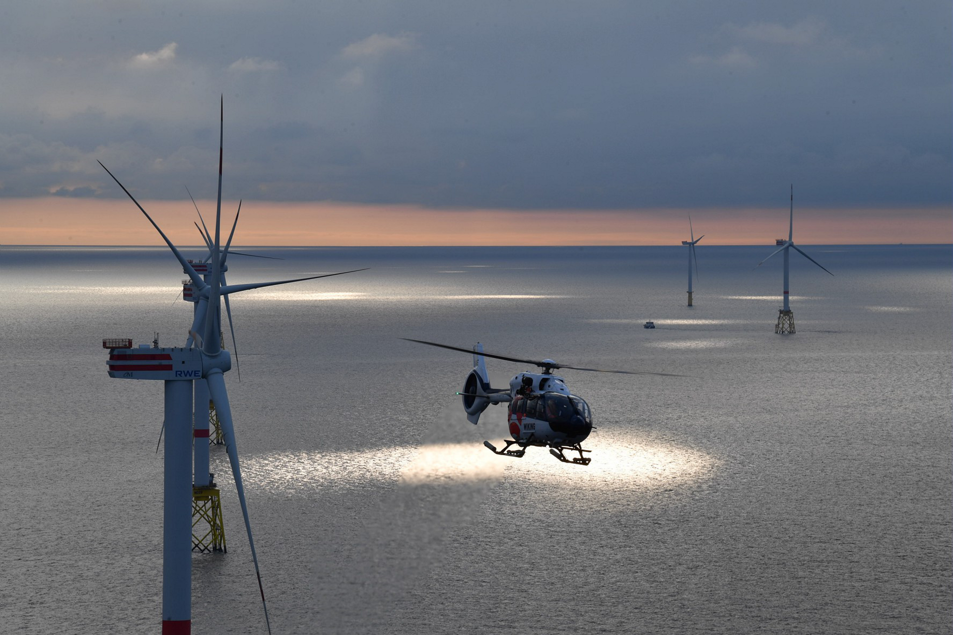Wiking Helicopter Services just took delivery of a new H145, bringing its fleet to four H145s used in sea pilot transfers,  and technician wind farm transports from their base Wilhelmshaven, Emden, Wick (UK) and soon from Beccles (UK), Eemshaven and Den Helder (NL).