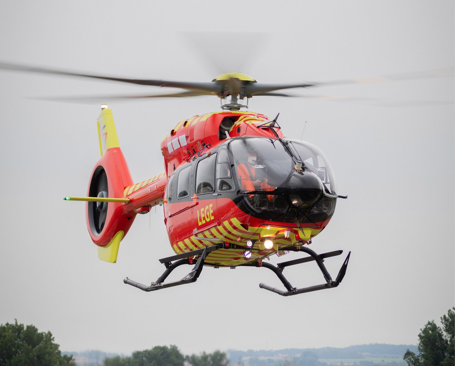 Airbus Helicopters has delivered the first five-bladed H145 to the Norwegian Air Ambulance Foundation.