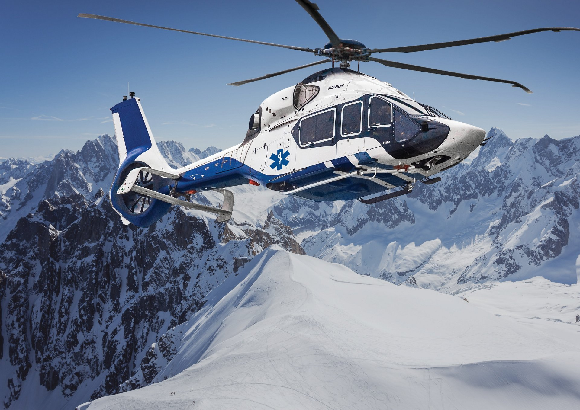 With the largest cabin in its class, wide opening sliding door and roll-in stretcher capacity, the H160 is the next generation high intensive care helicopter ideal for long distances critical patient or incubator transport