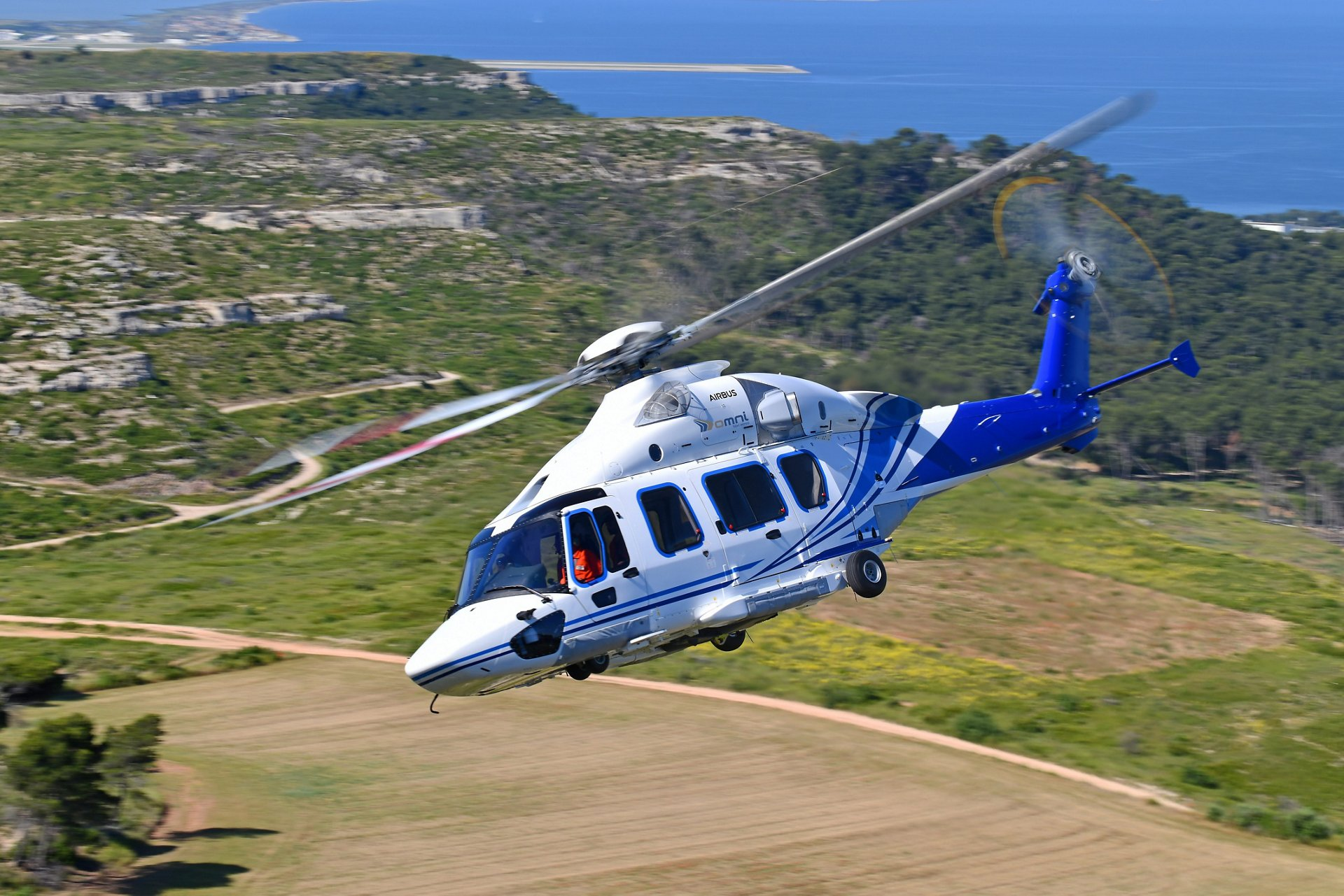 Omni Taxi Aereo, Brazil's leading oil and gas transport company and part of OMNI Helicopters International group (OHI), becomes the first operator to introduce the H175 in Brazil.