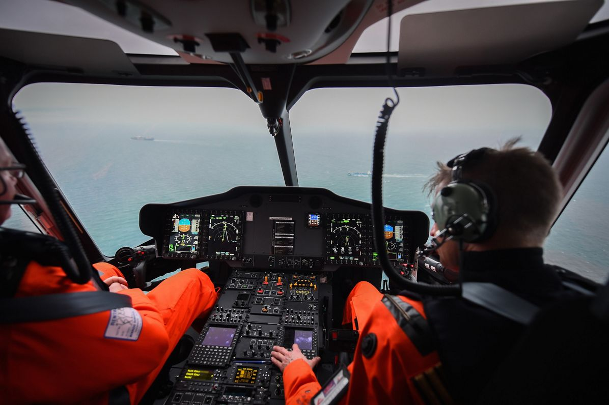 Certification of the Rig'N Fly automatic oil platform approach mode for the H175