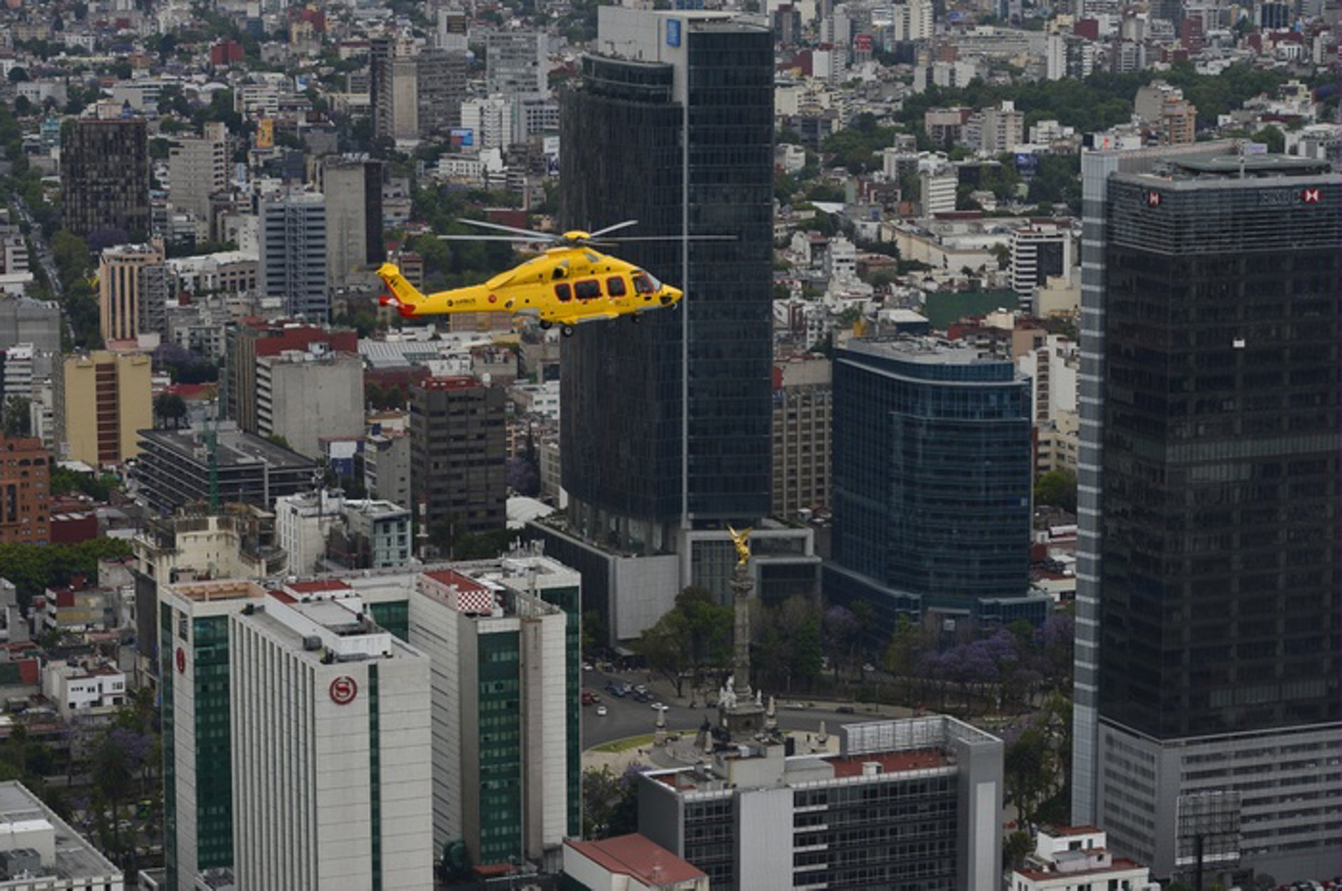 The H175 tours Mexico, the US and Brazil for oil & gas and private customers