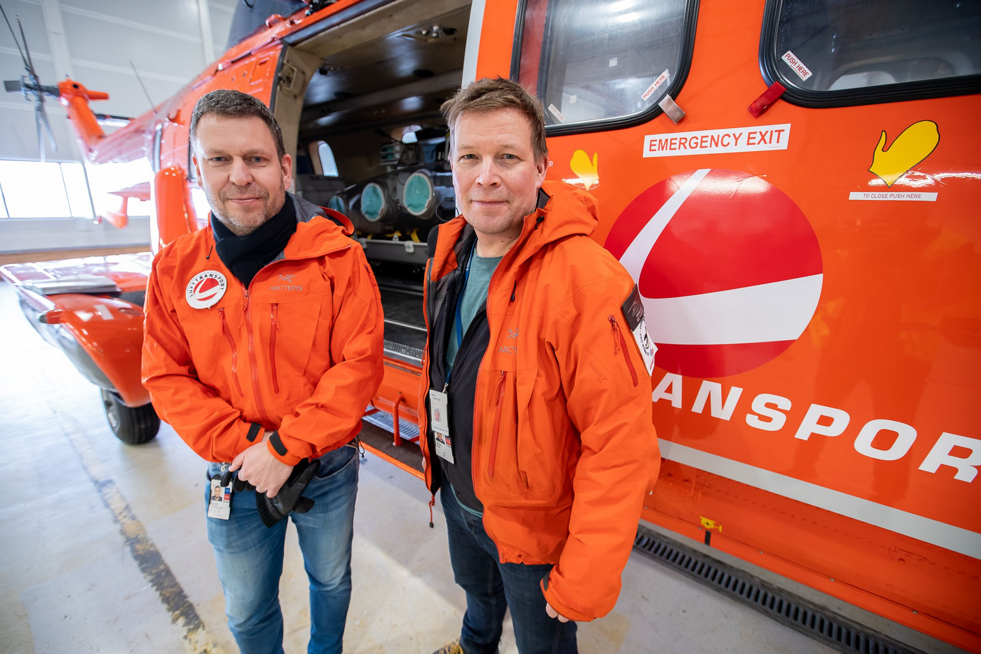 Lufttransport CEO Frank Wilhelmsen and UNN Doctor Bård Rannestad.