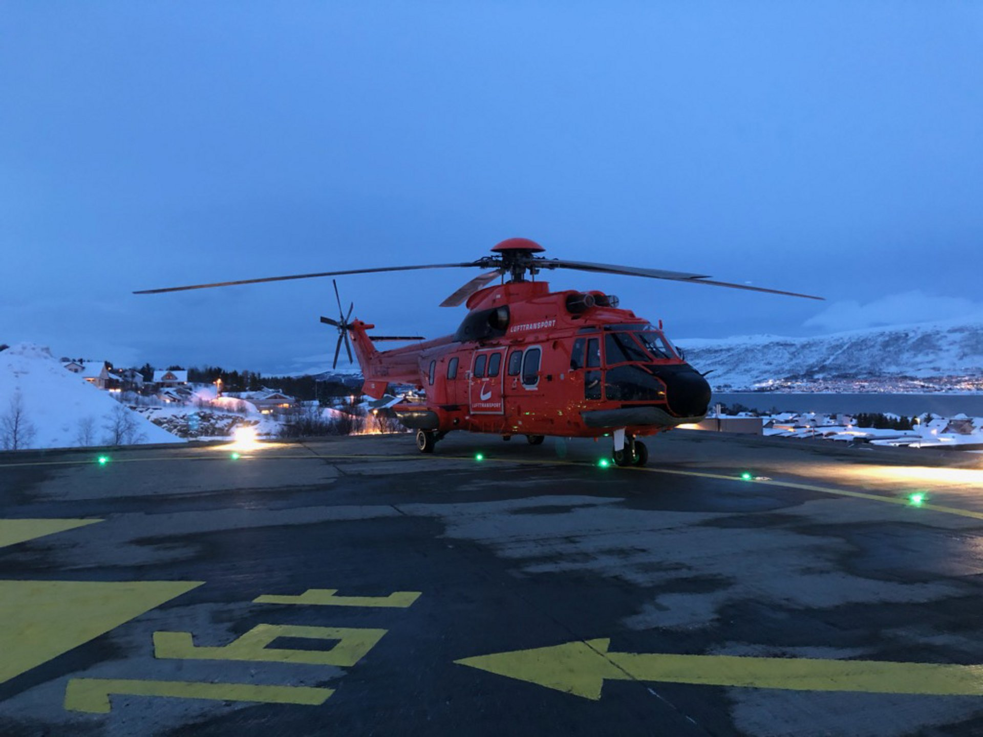 Lufttransport's AS332 L1 Super Puma.