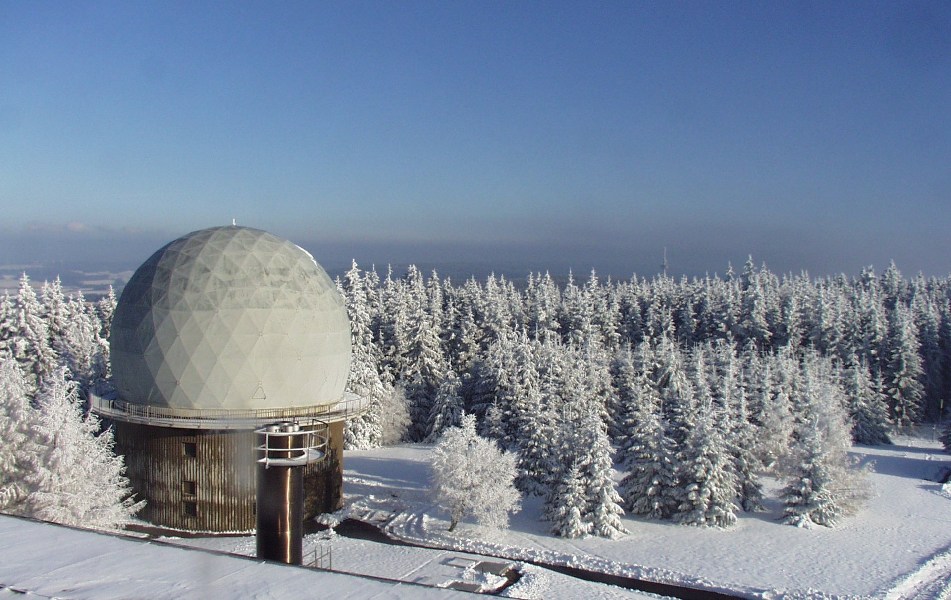Long -range surveillance radar to the flight safety branch of the German Air Force
