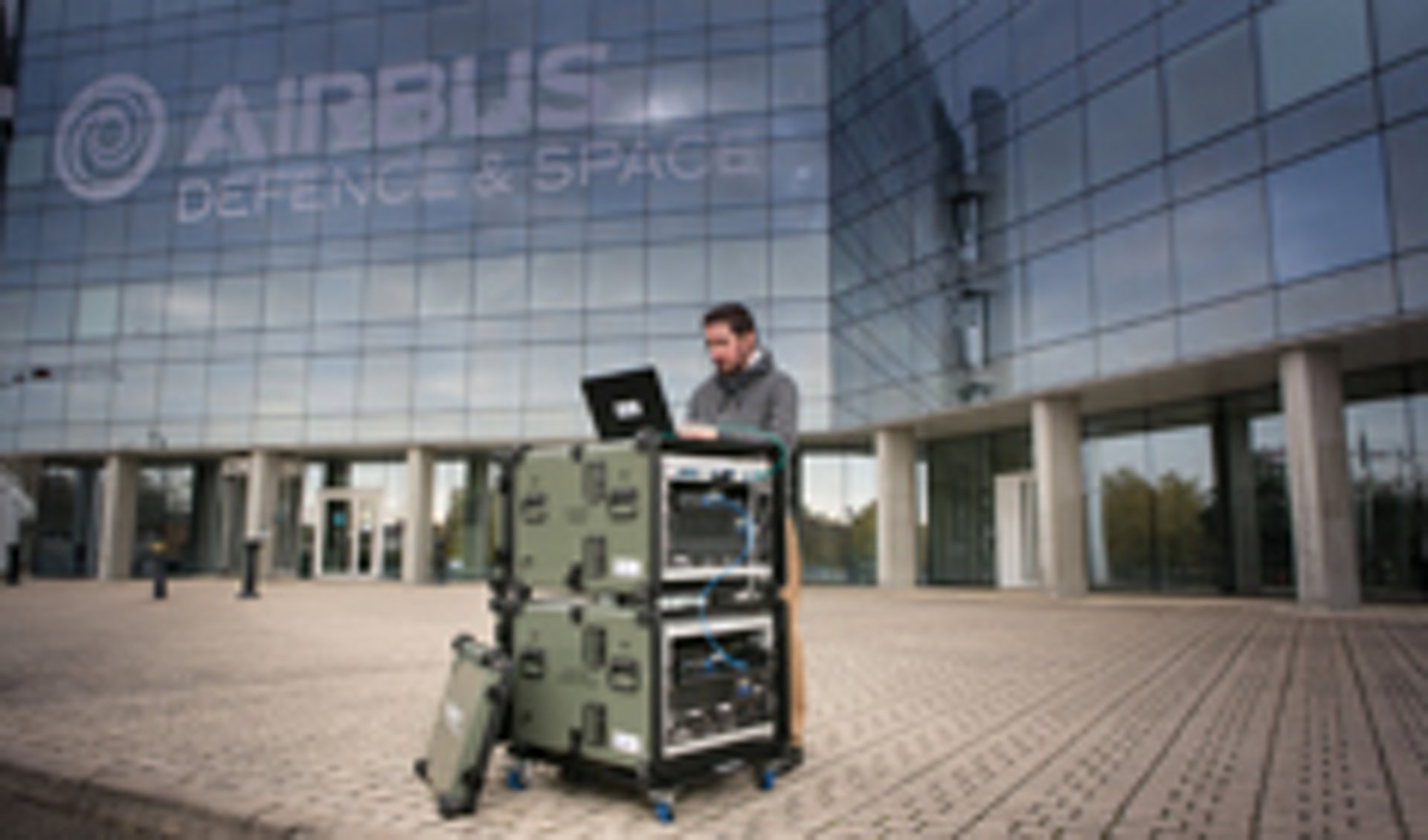 Deployable tactical Security Operation Center adaptable to networks requiring protection