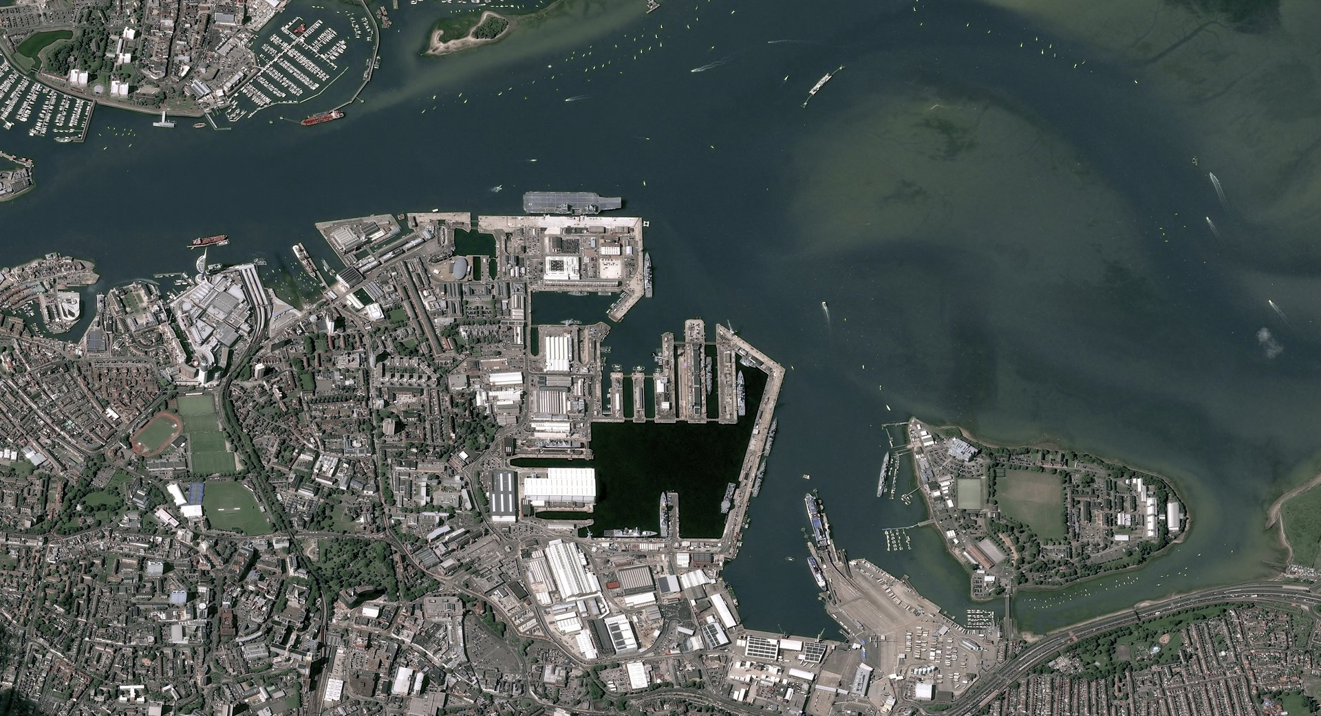 Image acquired by Pléiades satellite on August 18th, 2017, in Portsmouth, UK.
