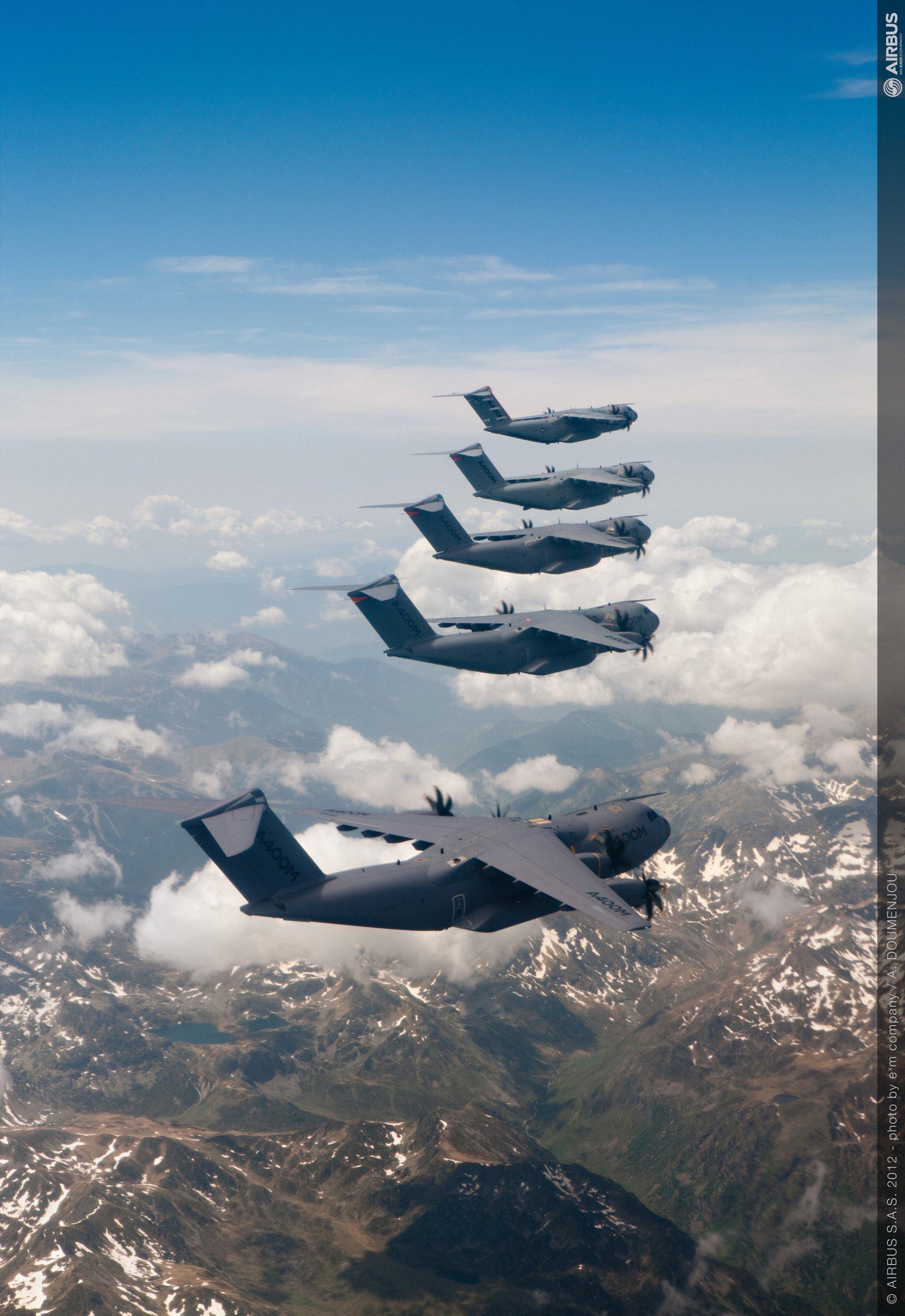 A400M-formation-flight-1-Jun2012