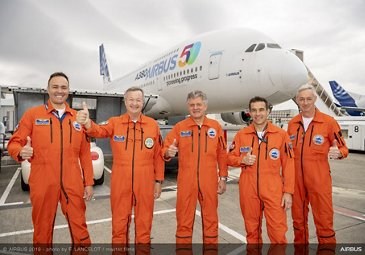 Airbus 50th anniversary - Formation flight - A380 Boarding