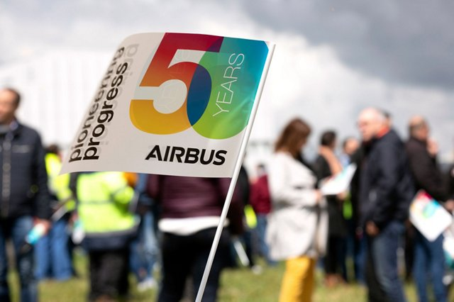 "3 questions for ... special edition ""50 years of Airbus"""