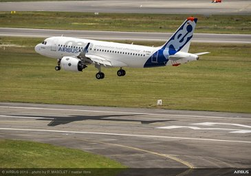 Airbus 50th anniversary - Formation flight – landing of A319neo