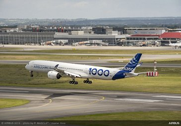 Airbus 50th anniversary - Formation flight – A350-1000 landing