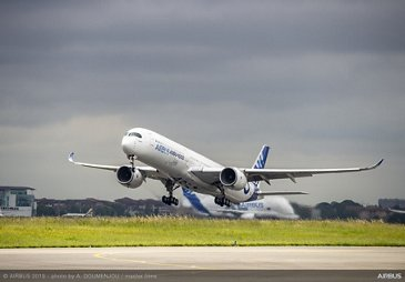 Airbus 50th anniversary - Formation Flight - A350-1000 taking off