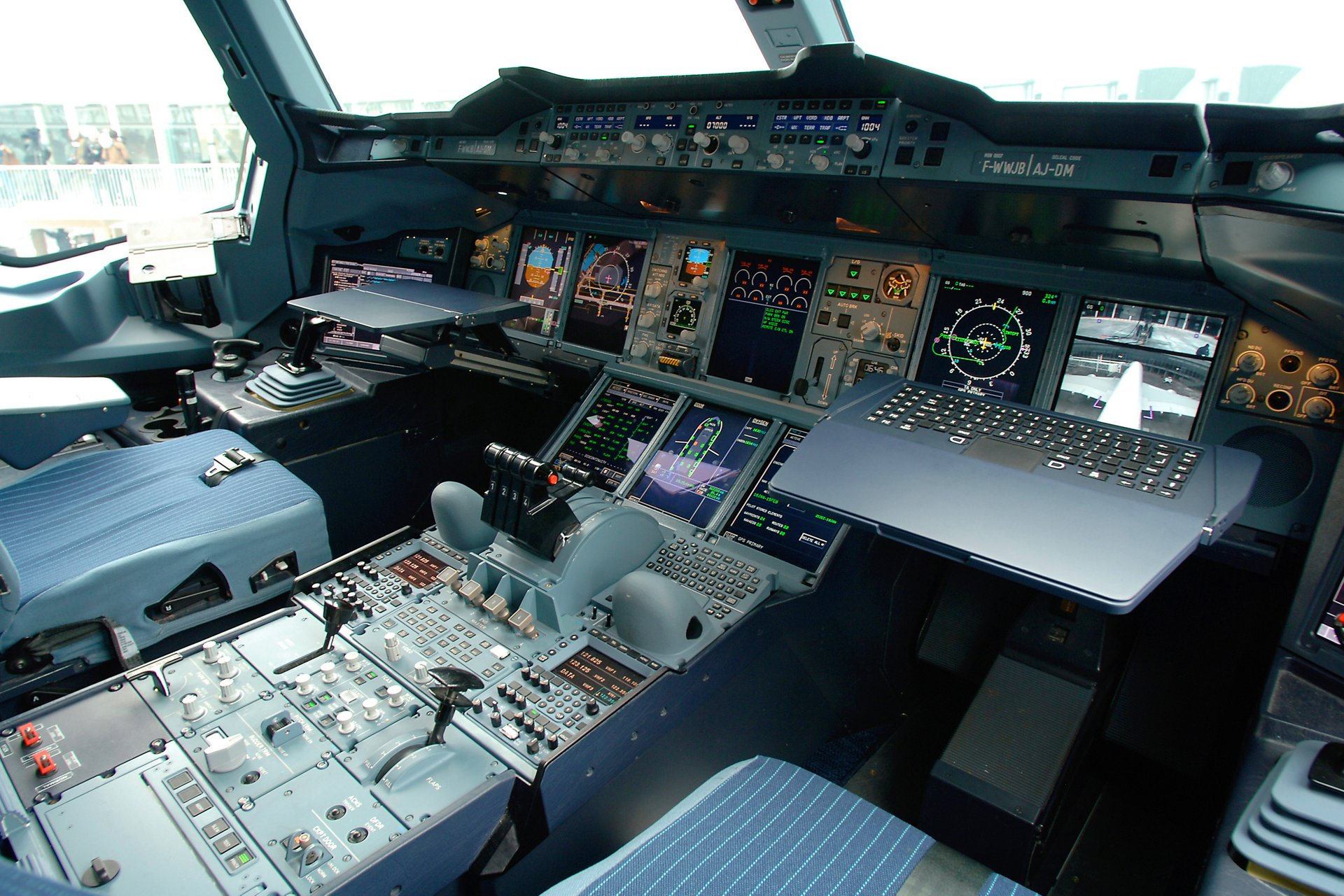 """a350 cockpit""的图片搜索结果"