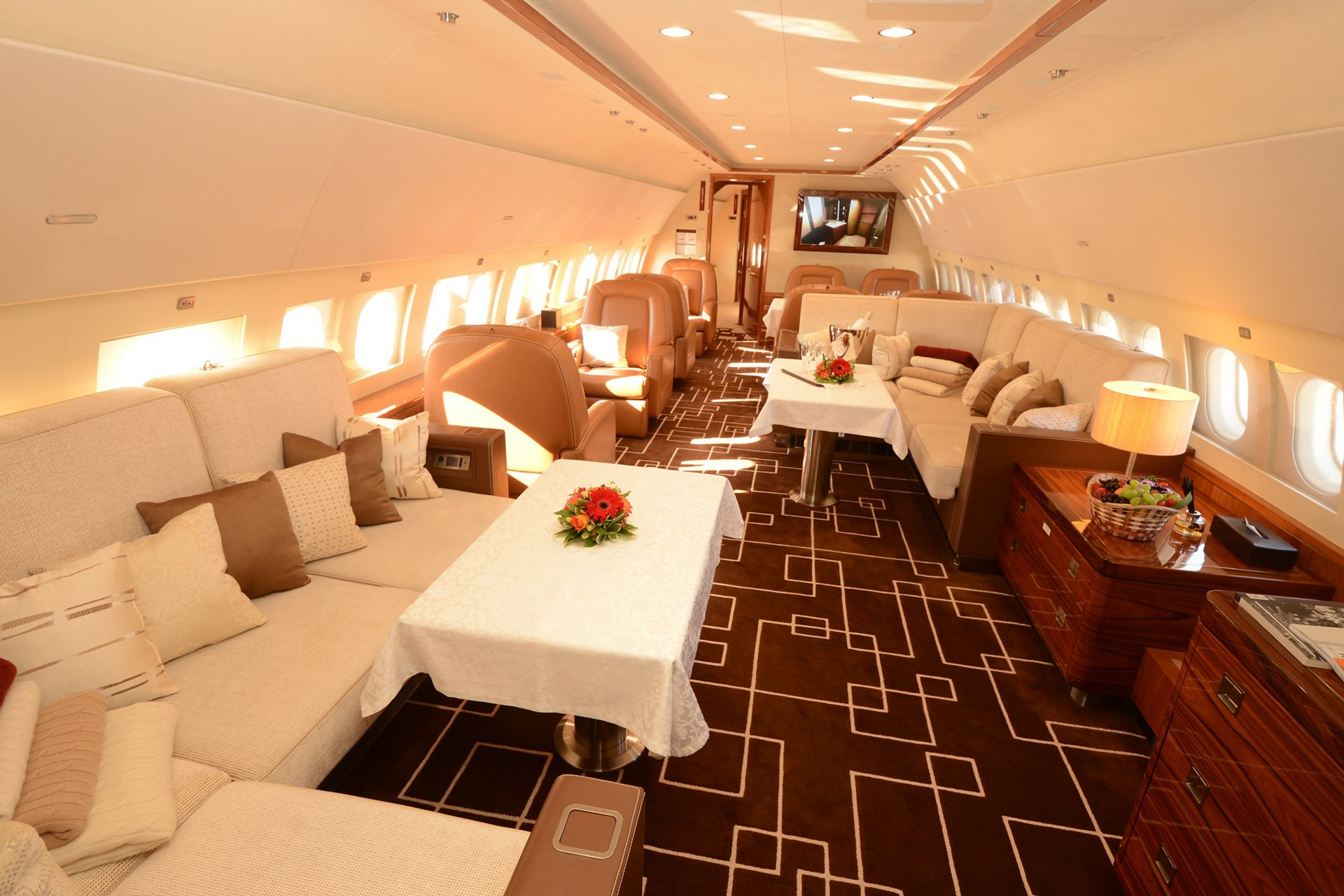 MJet-operated ACJ319_lounge