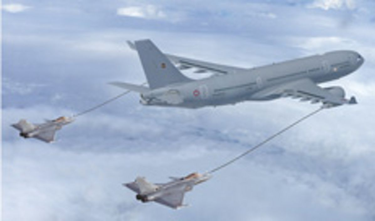 Photo montage of A330 MRTT refuelling two Rafale