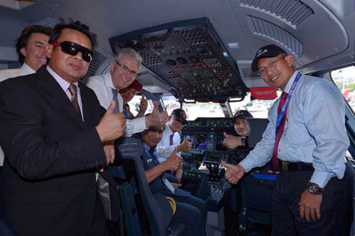 Prime Minister of Malaysia witnesses official handover of first Airbus A400M to Royal Malaysian Air Force