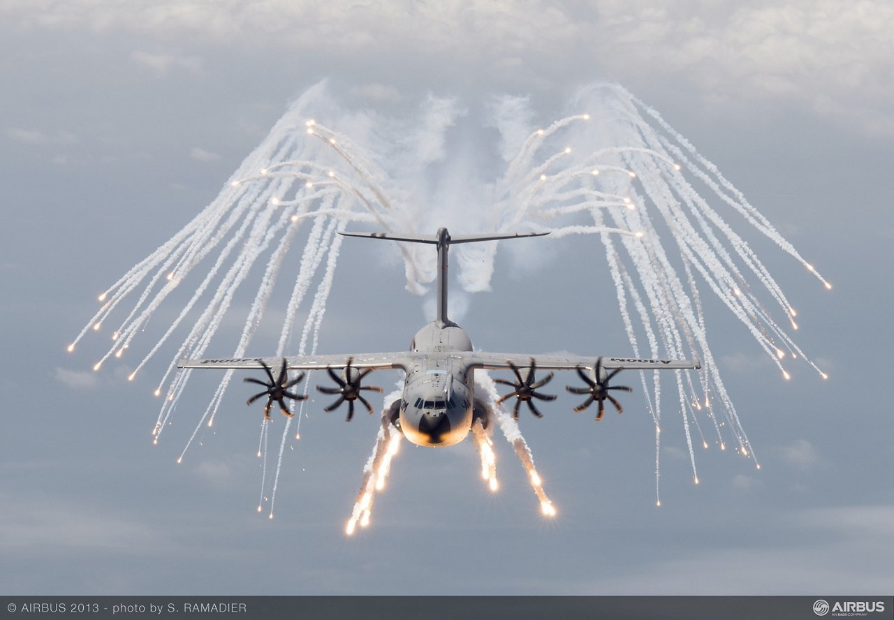 A400M decoy flares