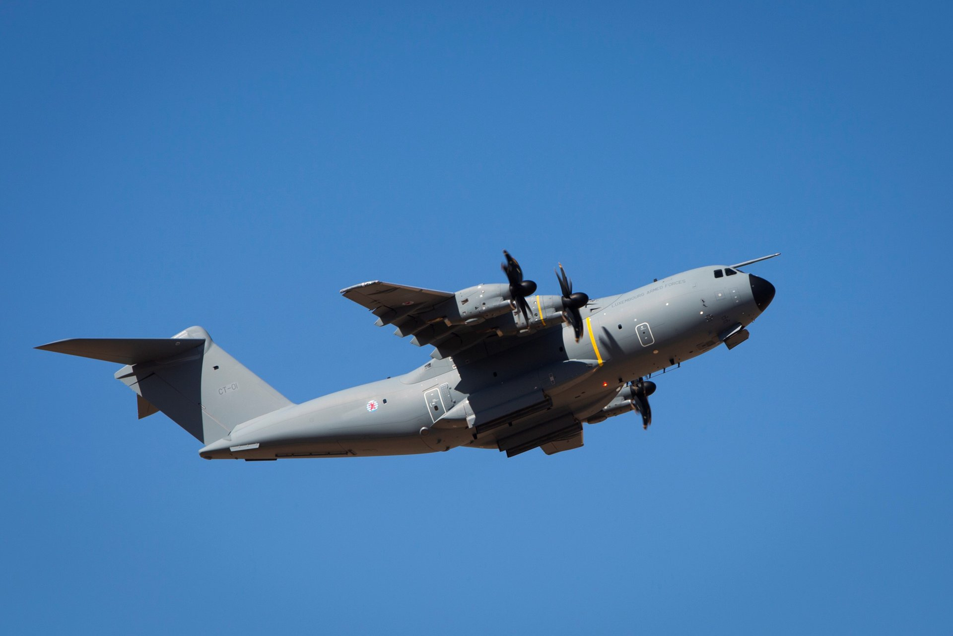 The Luxembourg Armed Forces have taken delivery of its Airbus A400M military transport aircraft, which was accepted at the A400M Final Assembly Line in Seville (Spain) and has performed a ferry flight.