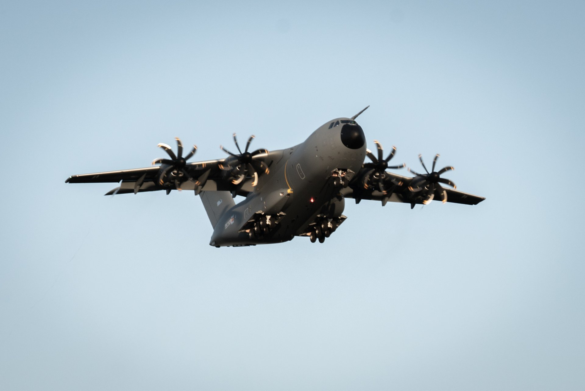 The Airbus A400M new-generation airlifter ordered by the Luxembourg Armed Forces has made its maiden flight, marking a key milestone towards its delivery.