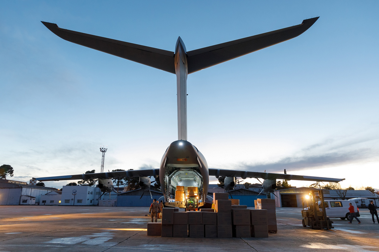 Operated by an Airbus crew, an A400M airlifter performed an air-bridge between Toulouse, France and Madrid, Spain to deliver critically-needed face mask supplies for the Spanish health system