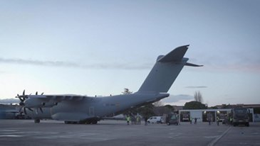 Airbus A400M transports masks to Spain