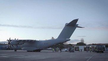 乐动体育app靠谱吗空中客车A400M将面具运送到西班牙