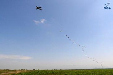 Airbus Paratrooping Test. Copyright DGA