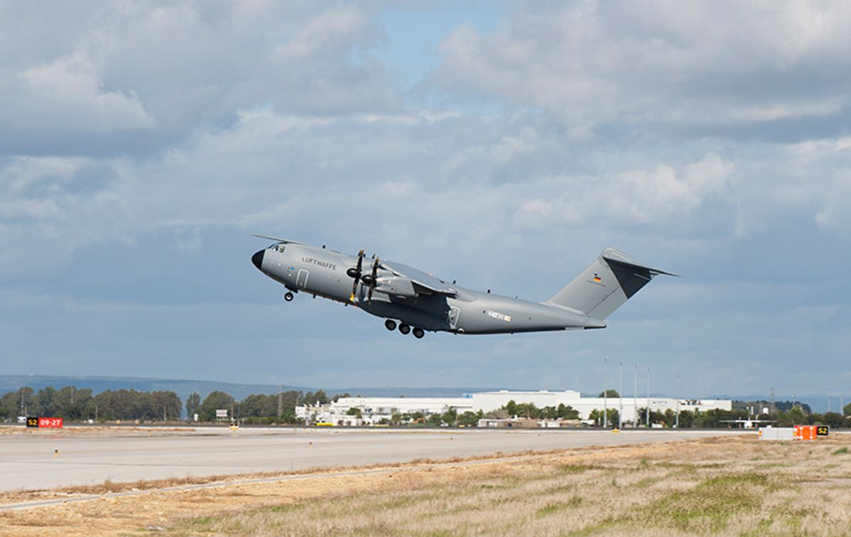 Take-off of the first Airbus A400M of the German Air Force in Sevilla