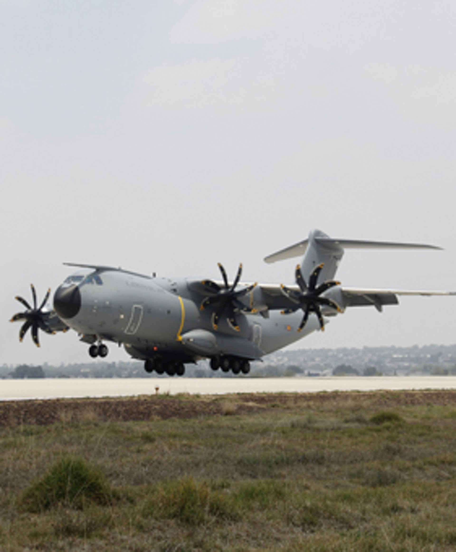 Landing of the  first Spanish A400M at Santa Lucía Air Base in México at the FAMEX 17 exhibition
