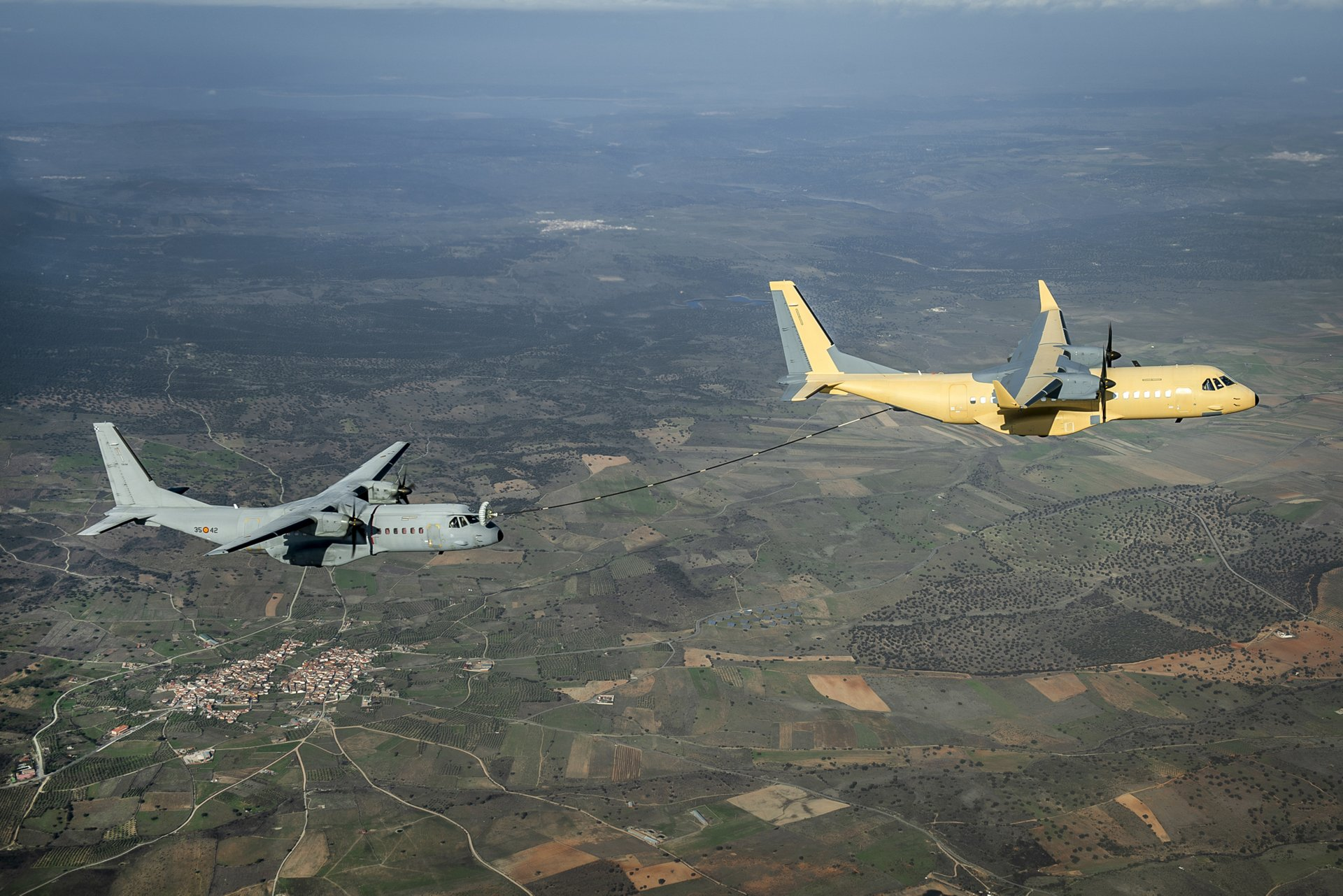 C295 air to air refuelling