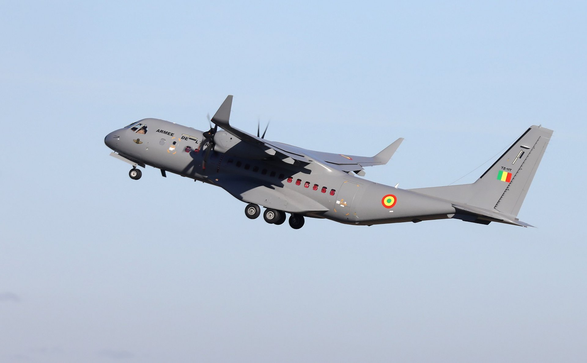 The Ministry of Defence of the Republic of Mali has placed a firm order for an additional Airbus C295 airlifter in the transport configuration. This second aircraft, to be delivered in 2021, will supplement the first C295 already in operation since December 2016 which has already accumulated 1,770 flight hours and transported more than 38,000 passengers and 900 tonnes of cargo in less than four years of operations.