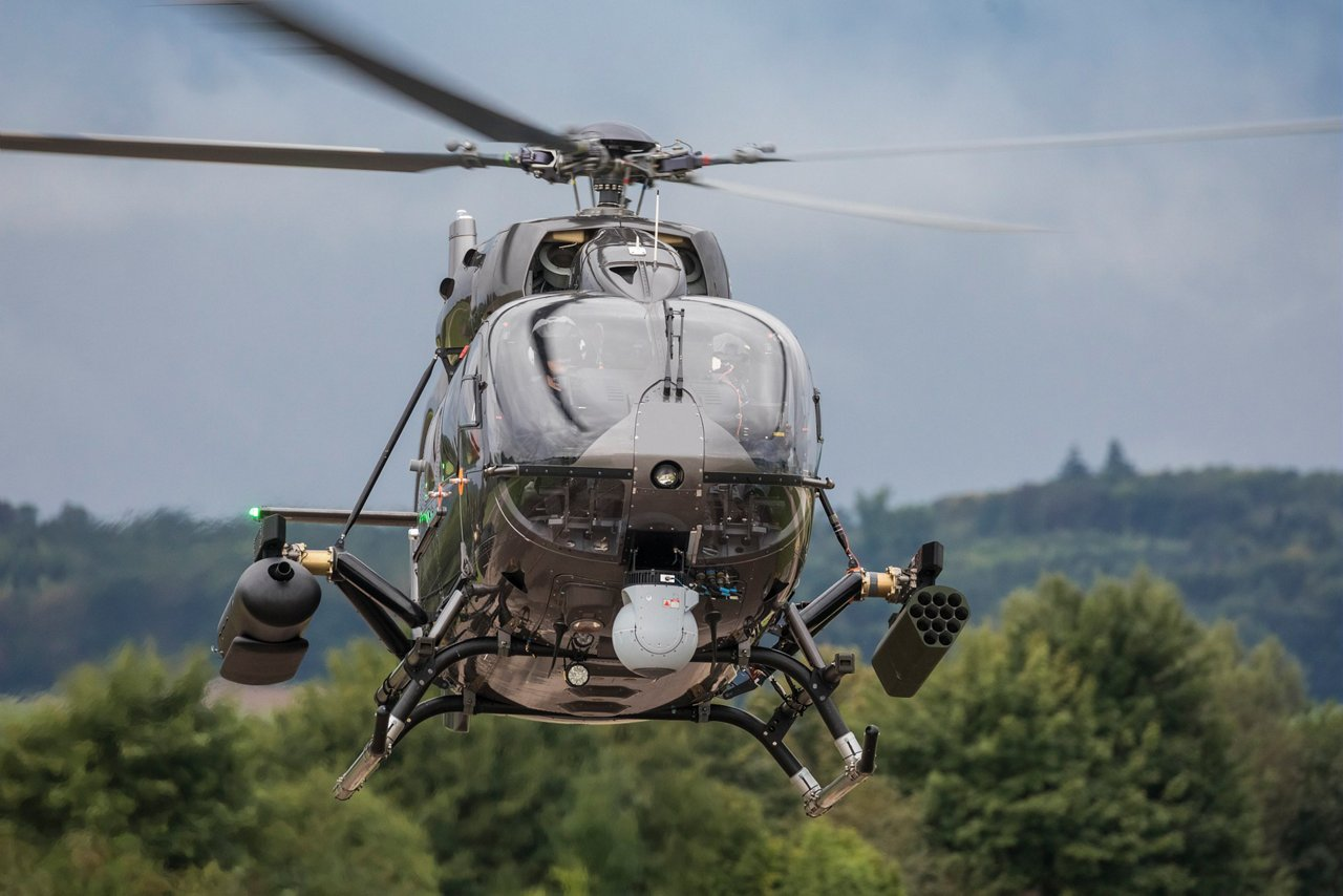 The H145M is equipped with HForce, which allows the crew to utilise a high-end electro-optical system (EOS) and helmet-mounted sight display (HMSD) for better reconnaissance and identification, and reduced workload onboard.