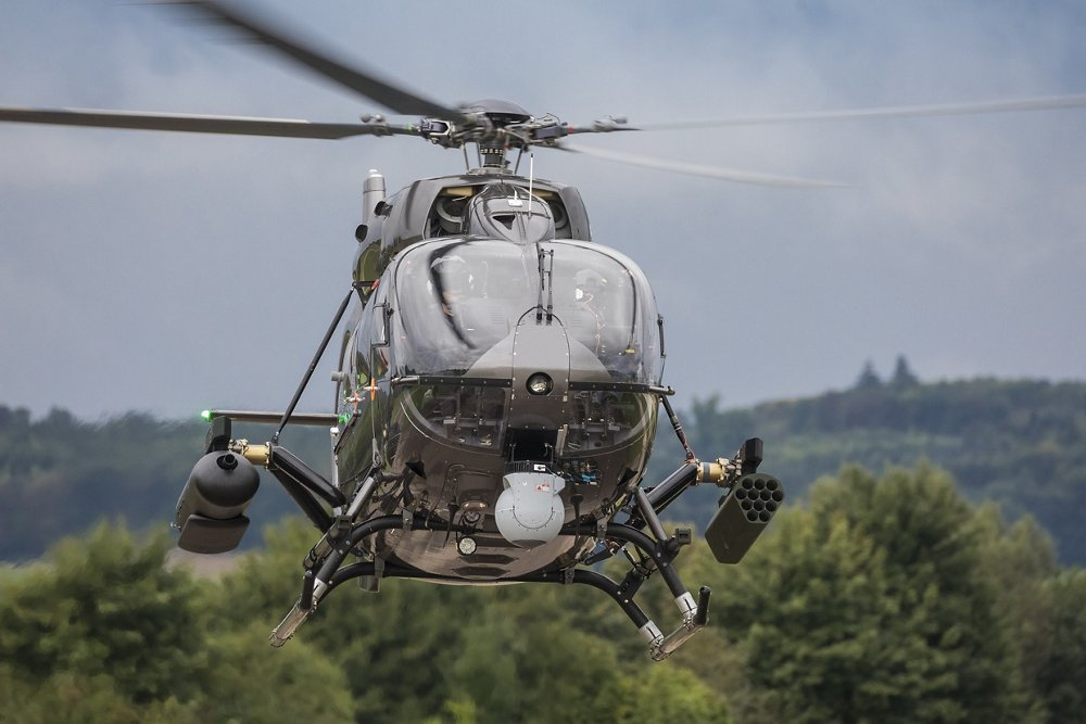 At the end of August, the H145M performed its first flight with a complete HForce weapon system in Donauwörth. Thanks to this modular weapon system designed by Airbus, the H145M can be equipped with all kind of guided and ballistic armaments such as missiles and laser guided rockets, guns, machine guns and rockets. The qualification of HForce for use on the H145M is planned for 2018.