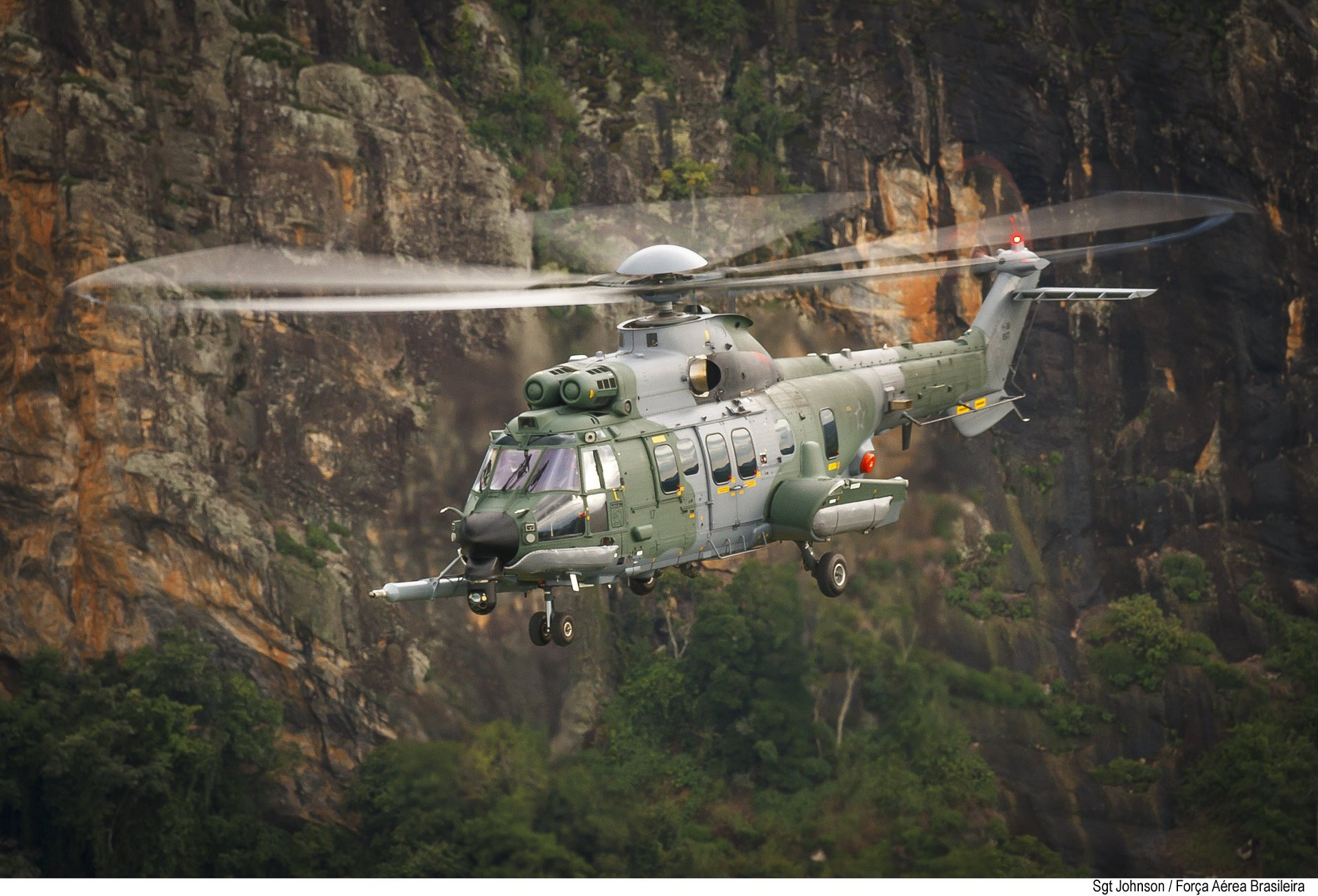 Airbus Helicopters' customer center in Brazil, Helibras, has delivered three additional H225M to the Brazilian Armed Forces. Two are destined for the Brazilian Army and the third for the Brazilian Air Force, bringing to seven the total number of H225M delivered to Brazil in 2015.