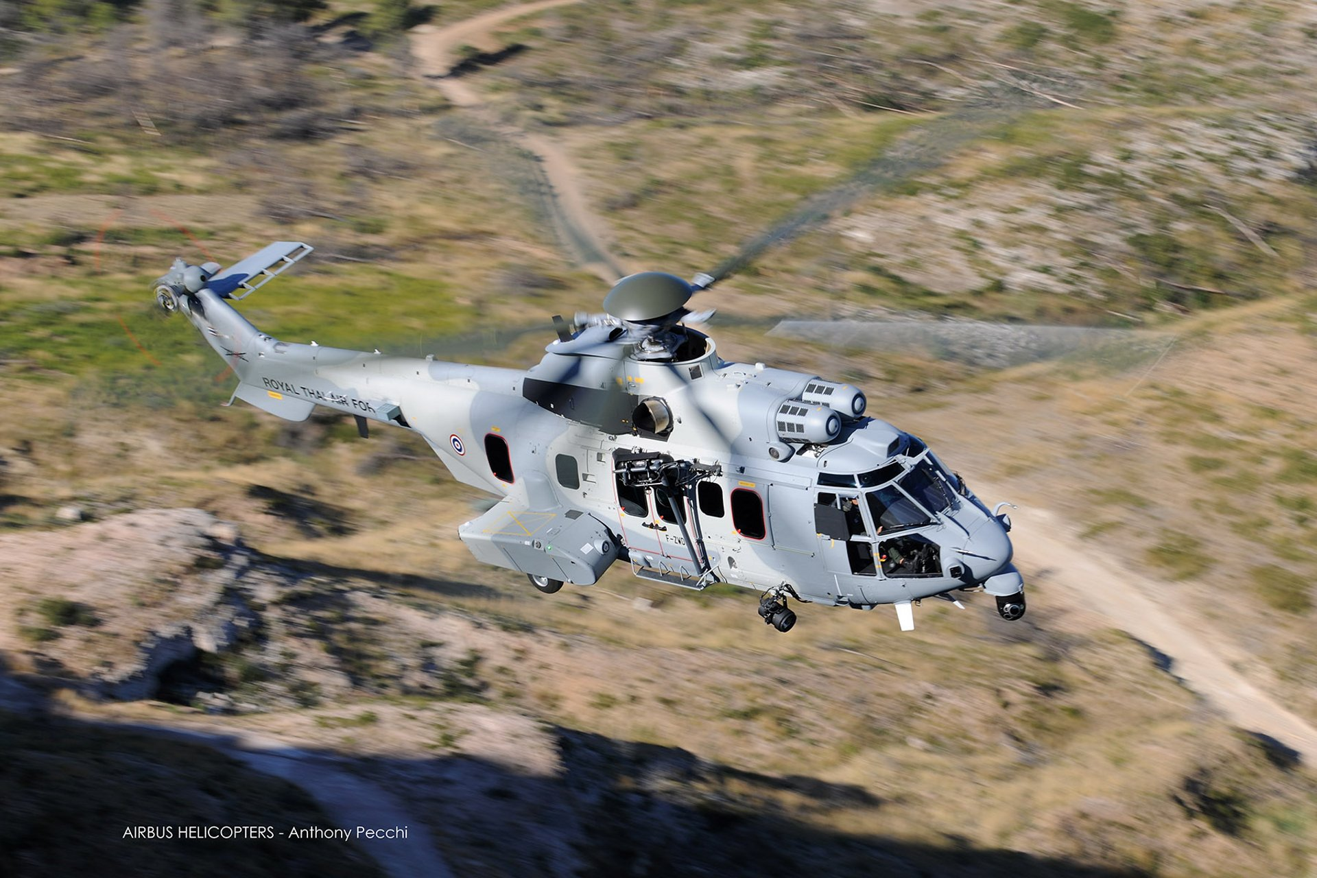 The 11-ton-catergory twin-turbine H225M is relied  upon as a force multiplier by many air forces worldwide thanks to its outstanding endurance and fast cruise speed.