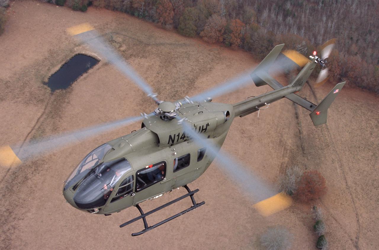 在成功出价中使用的示威者的顶视图赢得美国陆军的UH-72A Lakota直升机合同。