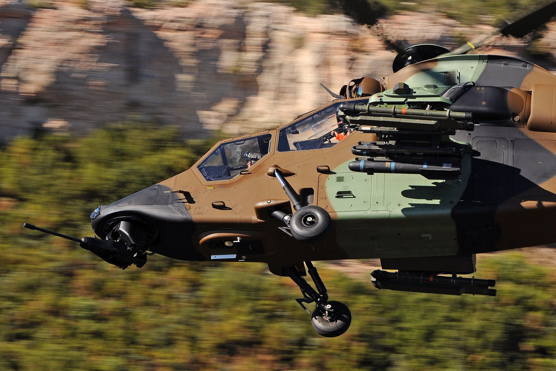 Airbus Helicopters has delivered the first Tiger retrofitted into the HAD version to the French Army Aviation, after having previously completed its formal acceptance process with the French Defence Procurement Agency (DGA).