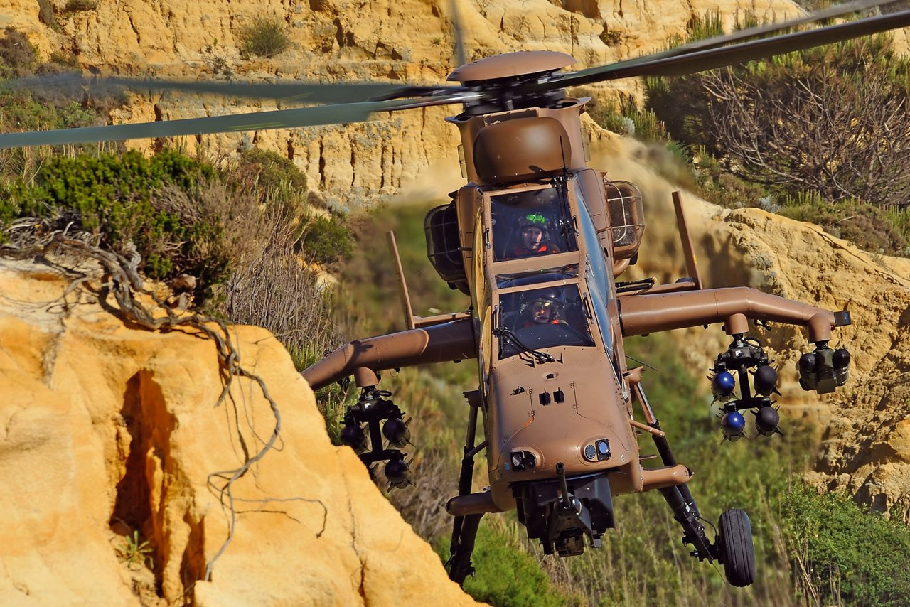 The combat helicopter that will perform the flight demonstration in August 2015 is a Tiger HAD from the French Army. It is a modern, combat-proven, high-tech helicopter with the first all-composite structure, one of the latest glass cockpits and a full range of armament allowing it to successfully fulfill multiple missions such as attack, escort, ground fire support, armed reconnaissance and combat.