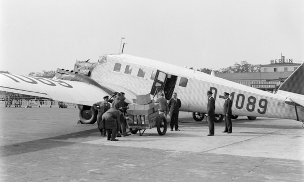 One of the first civil airliners made of aluminium, the G 24