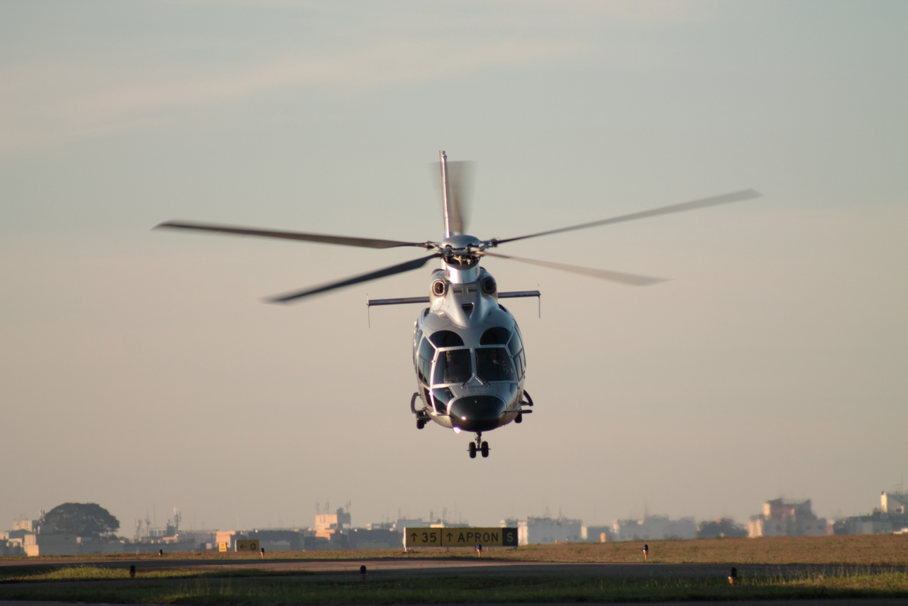 An operator of two H155 helicopters for executive transportation based in São Paulo has become the first Brazilian civilian customer to sign an HCare Smart contract with Airbus Helicopters.