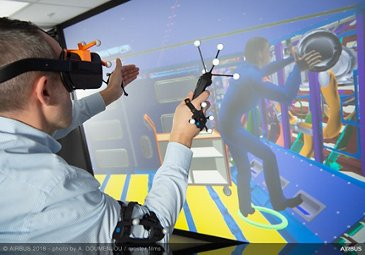 Maintenance operations in virtual reality