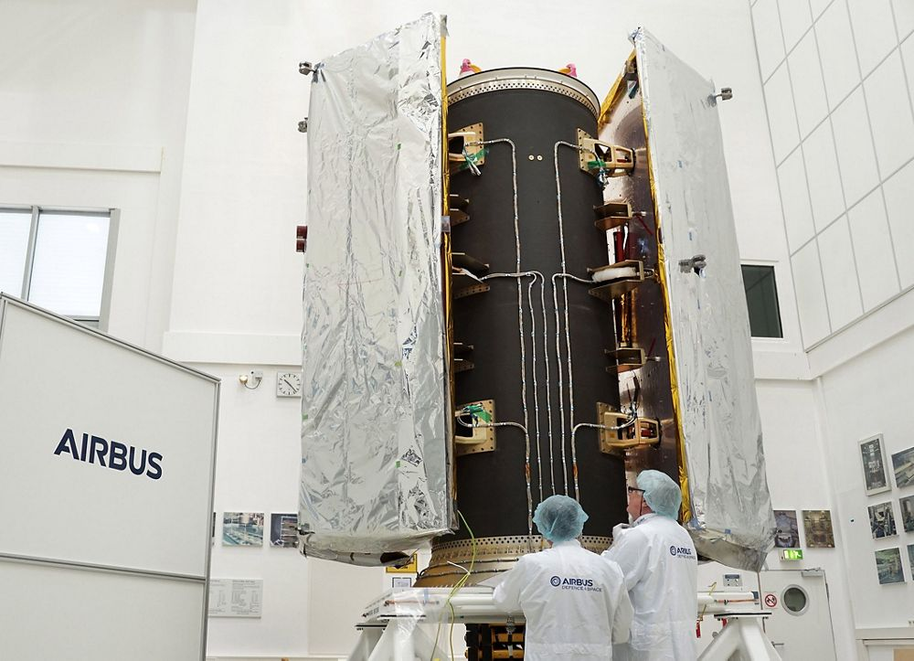 GRACE-FO satellites' dispenser under testing