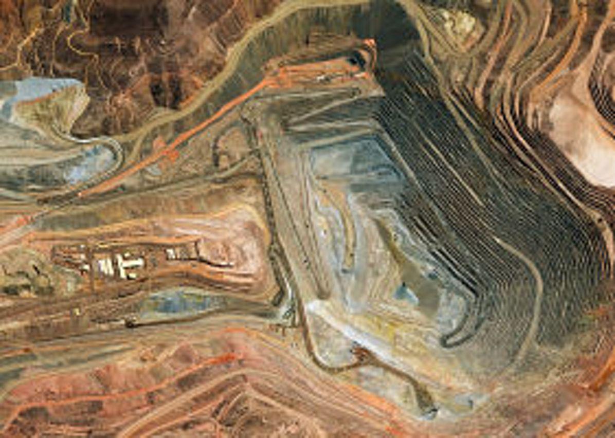 PerúSAT-1 satellite image from copper open mine Cuajone