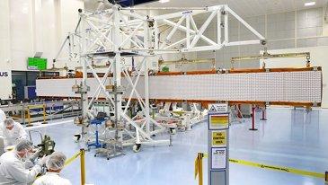 Sentinel-1C radar antenna unfolding test