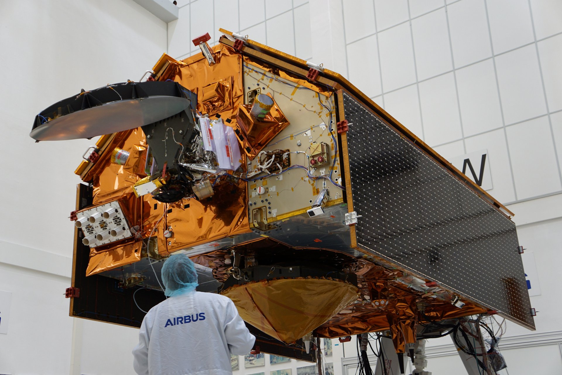 Airbus space engineers are currently testing the Copernicus Sentinel-6A satellite at the Space Test Centre of Industrieanlagen-Betriebsgesellschaft mbH (IABG) in Ottobrunn - near Munich - to prove its readiness for space.
